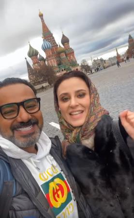 من أمام احدى الأماكن السياحية الشهيرة فى روسيا