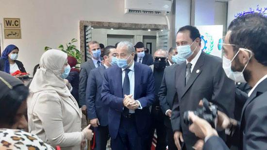 افتتاح الدكتور على المصيلحى وزير التموين مكتب السجل التجاري النموذجي بالسويس (1)