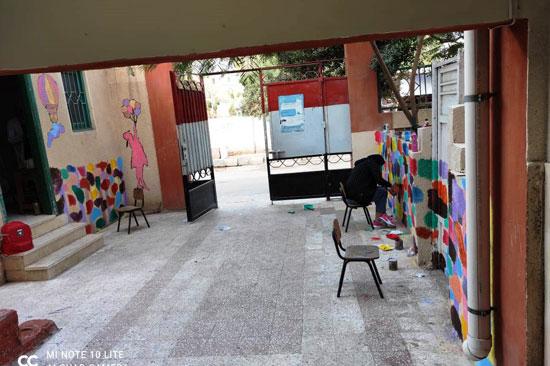 إبداع طلبة كلية التربية النوعية يزين جدران محافظة كفر الشيخ (21)