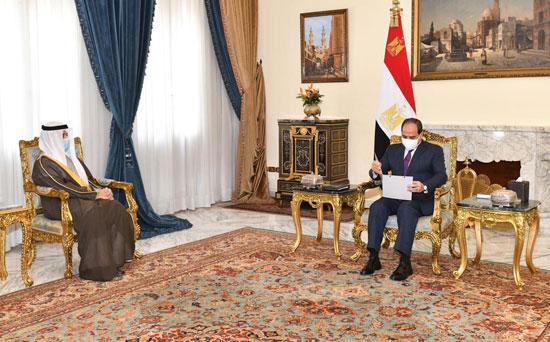 السيسى يتسلم رسالة من أمير الكويت (2)