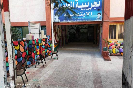 إبداع طلبة كلية التربية النوعية يزين جدران محافظة كفر الشيخ (25)