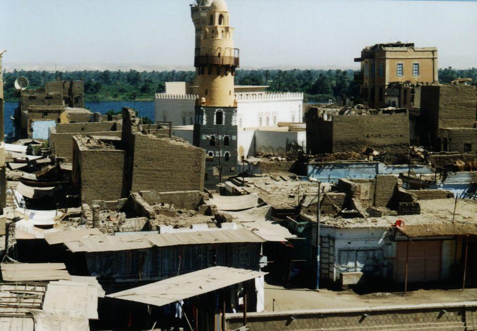 معبد خنوم الفرعونى بمدينة إسنا يشهد أكبر بمشروع قومى  (10)