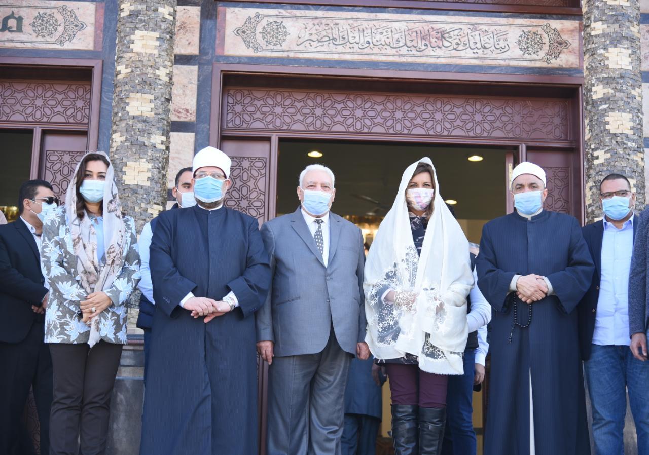 وزيرا الأوقاف والهجرة ومحافظ دمياط يفتتحون مساجد الصفا والرحمة والنخيل بدمياط