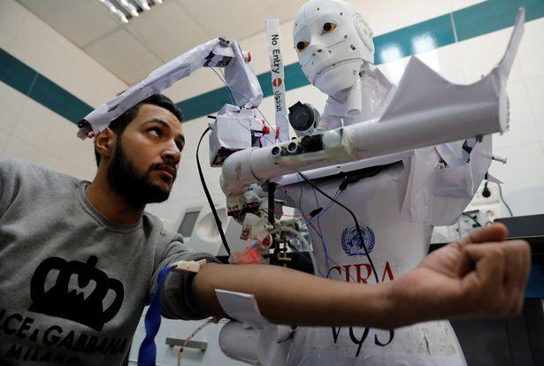 بدء النجارب على الروبوت