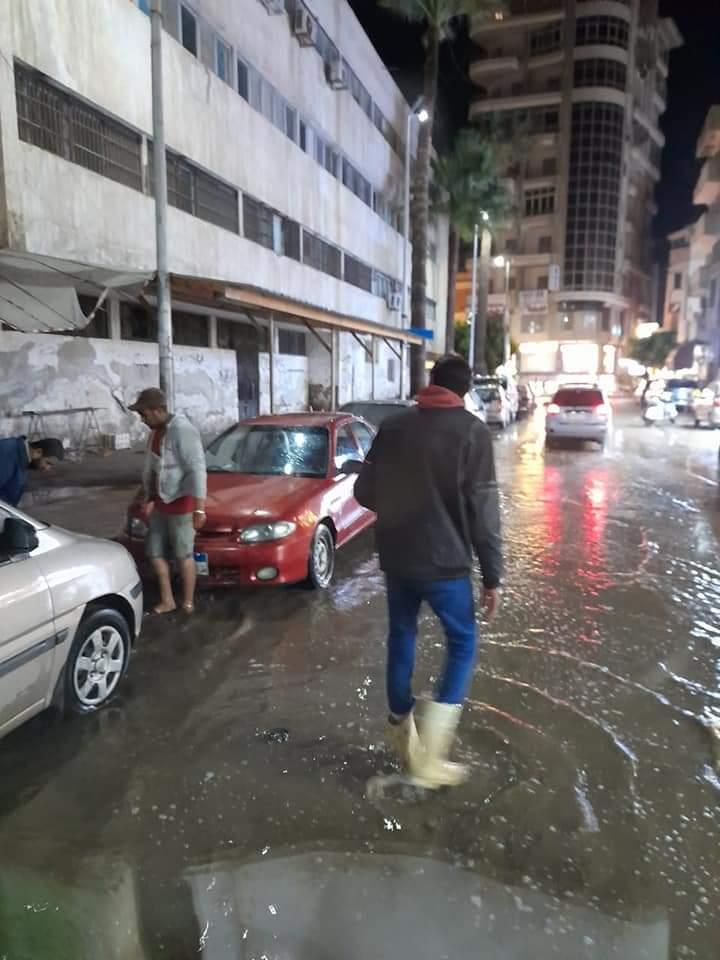رفع حالة الطوارئ وشفط لمياه الأمطار بدمياط (2)