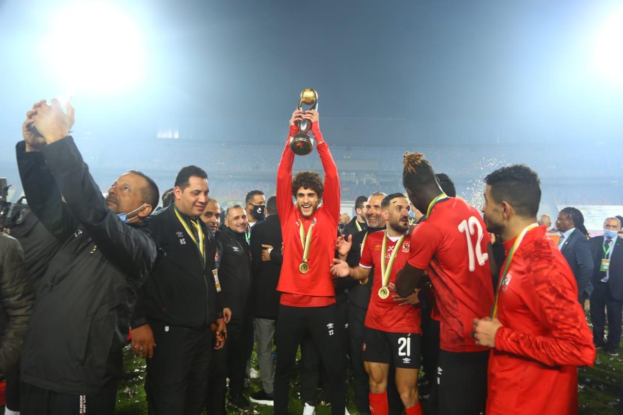 احمد الشيخ مع الكأس