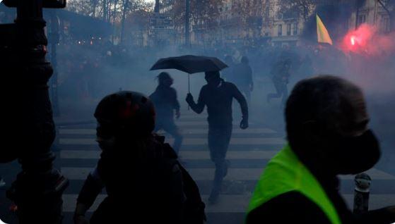 احتجاجات باريسص