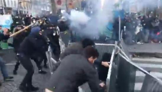اشتباكات في باريس