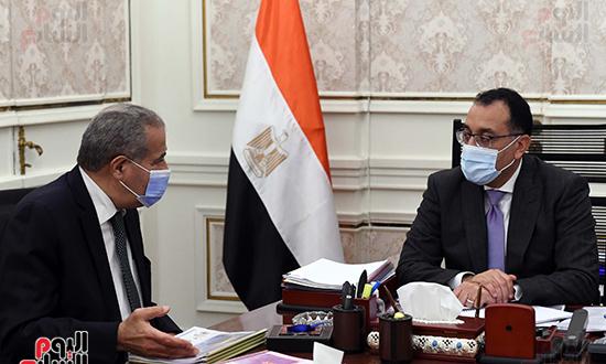 اجتماع رئيس الوزراء مع وزير التموين  (3)
