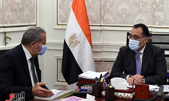 اجتماع رئيس الوزراء مع وزير التموين  (4)