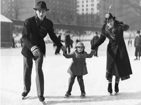 أقدم أماكن التزلج على الجليد في مدينة نيويورك