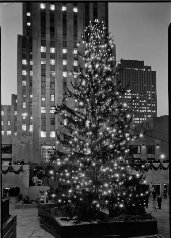 شجرة عيد الميلاد في مركز روكفلر في عام 1934