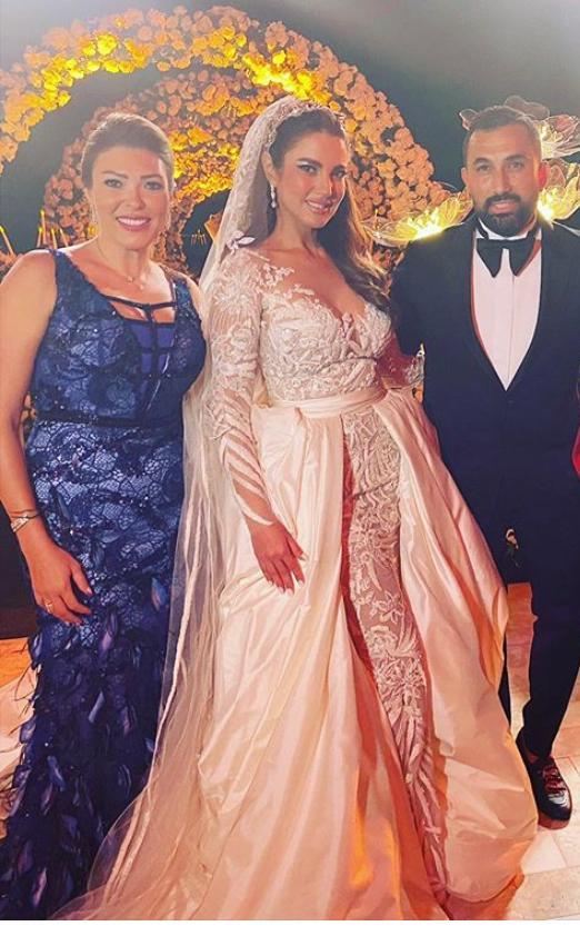 شريهان أبو الحسن و درة و زوجها هانى سعد