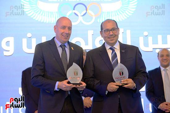 توزيع الجوائز للمنتدى الاول للاعبين الدولين والمصرين  (20)