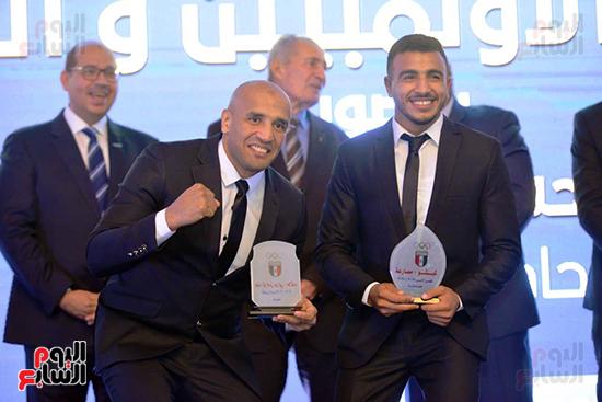 توزيع الجوائز للمنتدى الاول للاعبين الدولين والمصرين  (26)