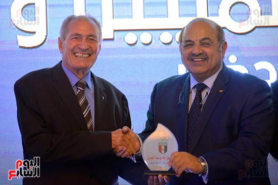توزيع الجوائز للمنتدى الاول للاعبين الدولين والمصرين  (14)