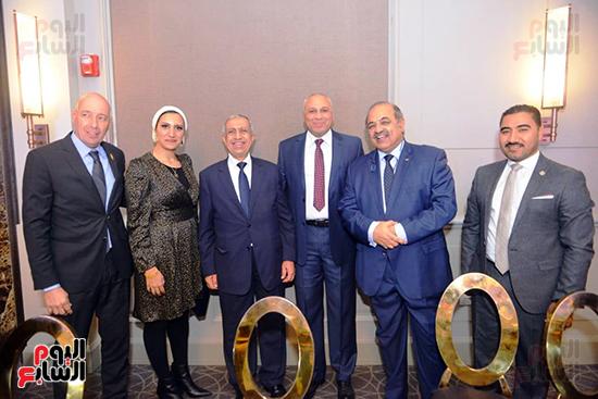 توزيع الجوائز للمنتدى الاول للاعبين الدولين والمصرين  (1)