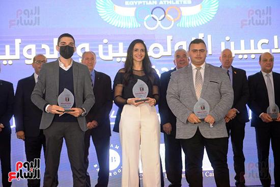 توزيع الجوائز للمنتدى الاول للاعبين الدولين والمصرين  (35)