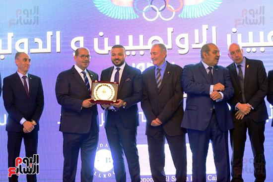 توزيع الجوائز للمنتدى الاول للاعبين الدولين والمصرين  (19)