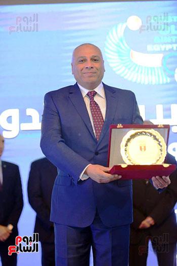 توزيع الجوائز للمنتدى الاول للاعبين الدولين والمصرين  (3)