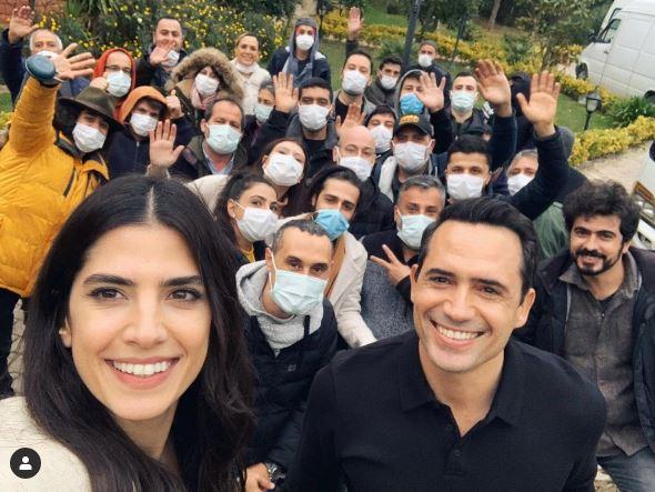 أبطال عروس بيروت مع طاقم عمل المسلسل