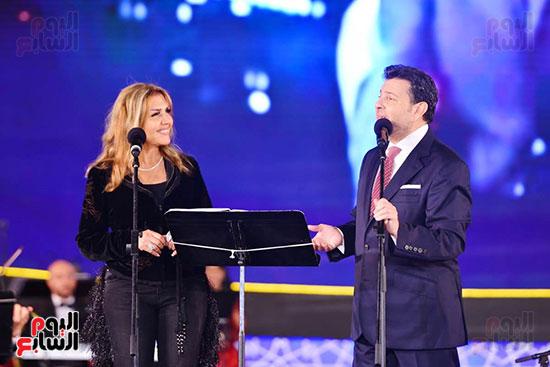نادية مصطفى تشارك هانى شاكر فى حفل مهرجان الموسيقى (5)