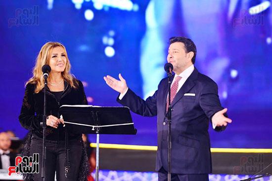 نادية مصطفى تشارك هانى شاكر فى حفل مهرجان الموسيقى (4)