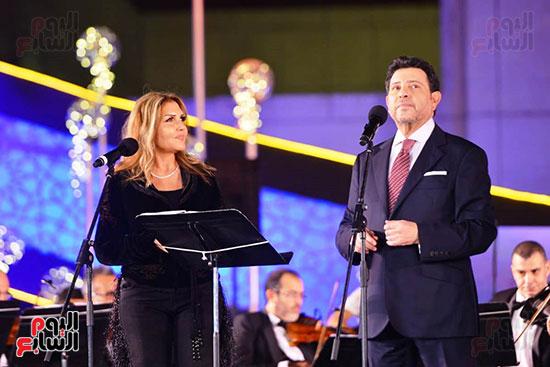 نادية مصطفى تشارك هانى شاكر فى حفل مهرجان الموسيقى (8)