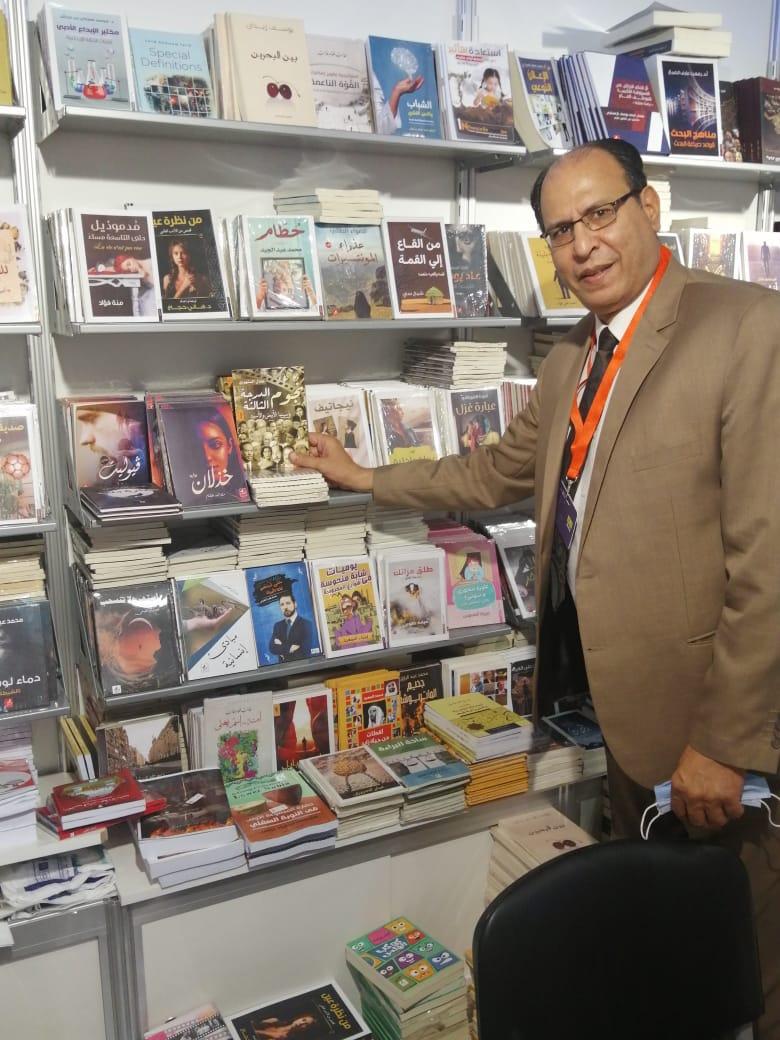الكاتب الصحفى عادل السنهورى