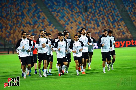 تدريبات المنتخب المصرى (39)
