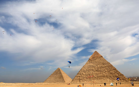 2020-11-08T173800Z_761595160_RC25ZJ90HRHB_RTRMADP_3_EGYPT-PYRAMIDS