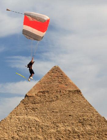 2020-11-08T173734Z_246975682_RC25ZJ9DN9P5_RTRMADP_3_EGYPT-PYRAMIDS