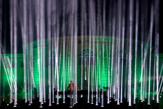 ديفيد جيتا عرضًا في حفل MTV EMA لعام 2020 في بودابست
