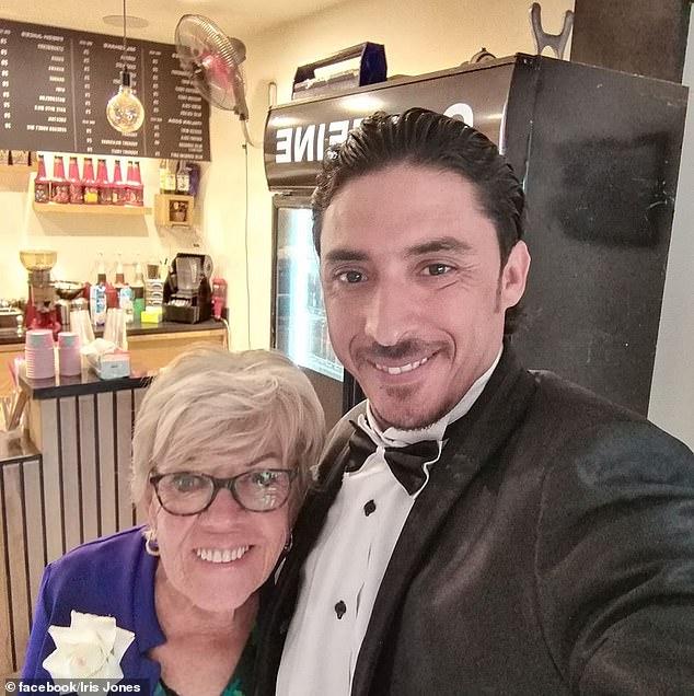 ايريس جونز مع زوجها