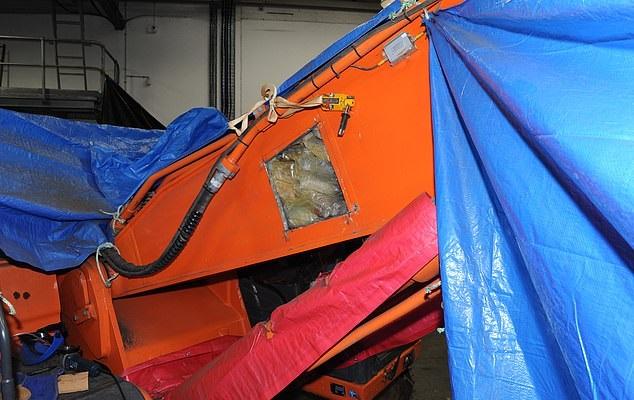 Drug smuggling worth $ 79 million inside an excavator to Australia (3)