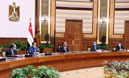 الرئيس السيسي مع الوفد العراقى (3)