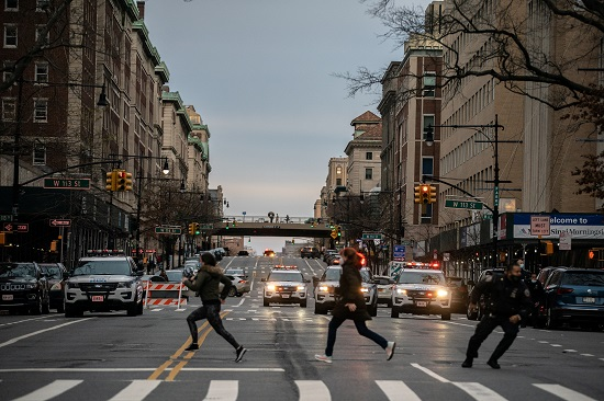 Citizens flee shooting