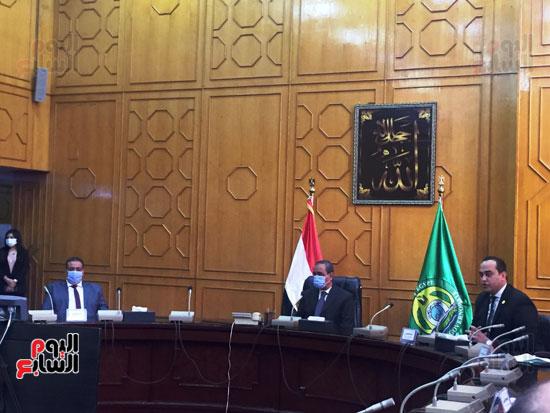الدكتور-أحمد-السبكى-يكشف-خطوات-التسجيل-في-منظومة-التأمين-الصحى-الشامل-(7)