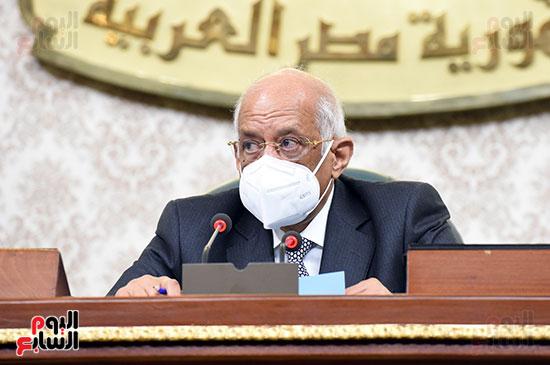 الدكتور على عبد العال رئيس البرلمان خلال الجلسه