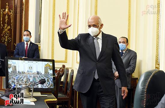 الدكتور على عبد العال رئيس مجلس النواب خلال تحيه النواب