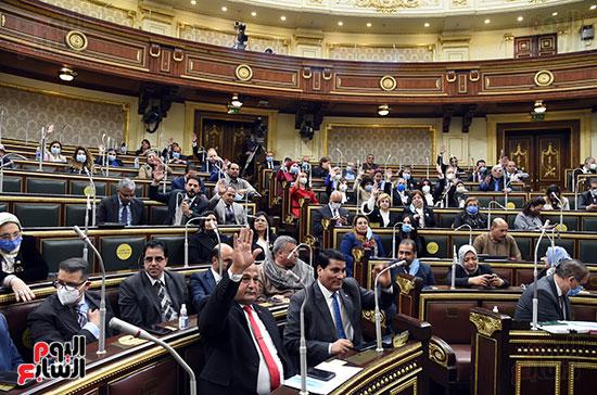 خلال جلسه البرلمان