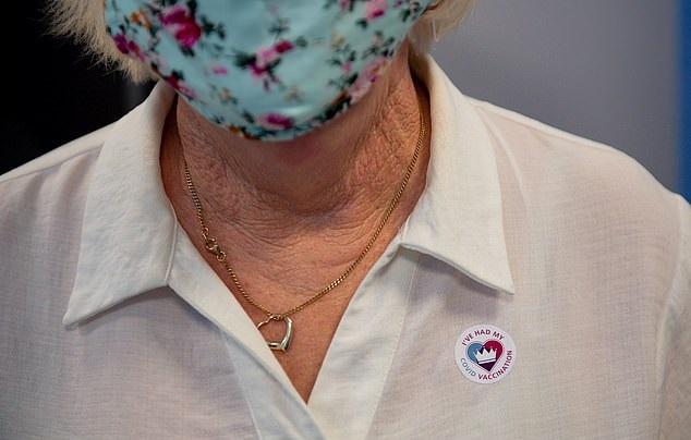 .. بدجات وملصقات للتشجيع على أخد اللقاح بأمريكا (3)
