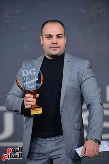 عمرو صحصاح يتسلم جائزة اليوم السابع