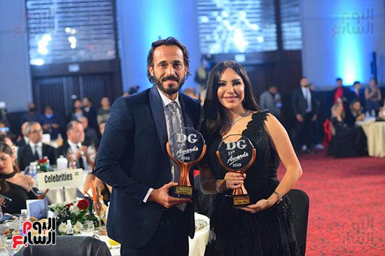يوسف الشريف وزوجته وجائزة دير جيست