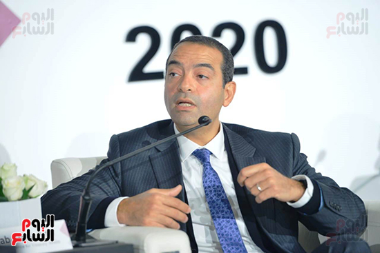 الجلسة الثانية بـقمة مصر الاقتصادية (13)