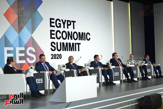 الجلسة الثانية بـقمة مصر الاقتصادية (12)