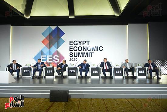 الجلسة الثانية بـقمة مصر الاقتصادية (16)