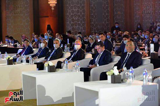 الجلسة الثانية بـقمة مصر الاقتصادية (23)