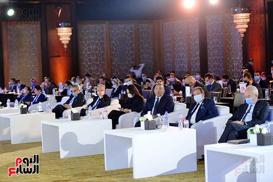 الجلسة الثانية بـقمة مصر الاقتصادية (7)