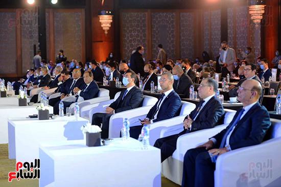 الجلسة الثانية بـقمة مصر الاقتصادية (43)